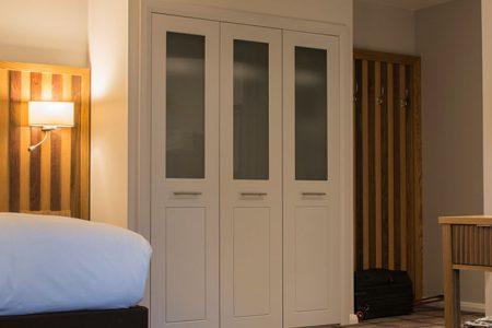 A bedroom at Kingsmills Hotel