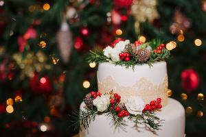 christmas themed wedding cake