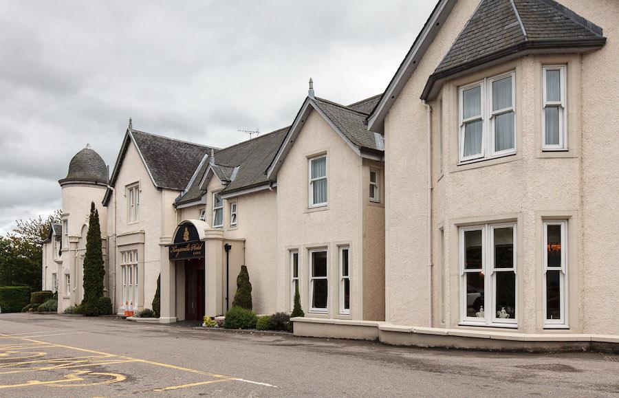 Front entrance of the Kingsmills hotel