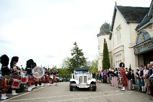 Bride arriving at the Kingsmills